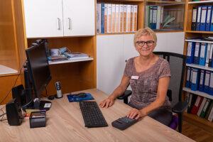 Frau Ursula Schuster (Heimverwaltung)